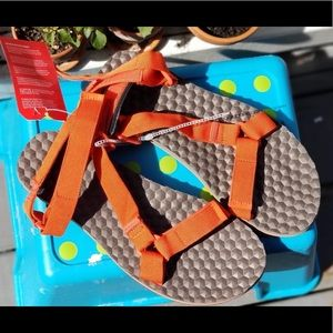 NWT The NorthFace Mens BaseCamp Switchback Sandals